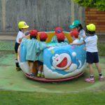 園庭遊具での遊び